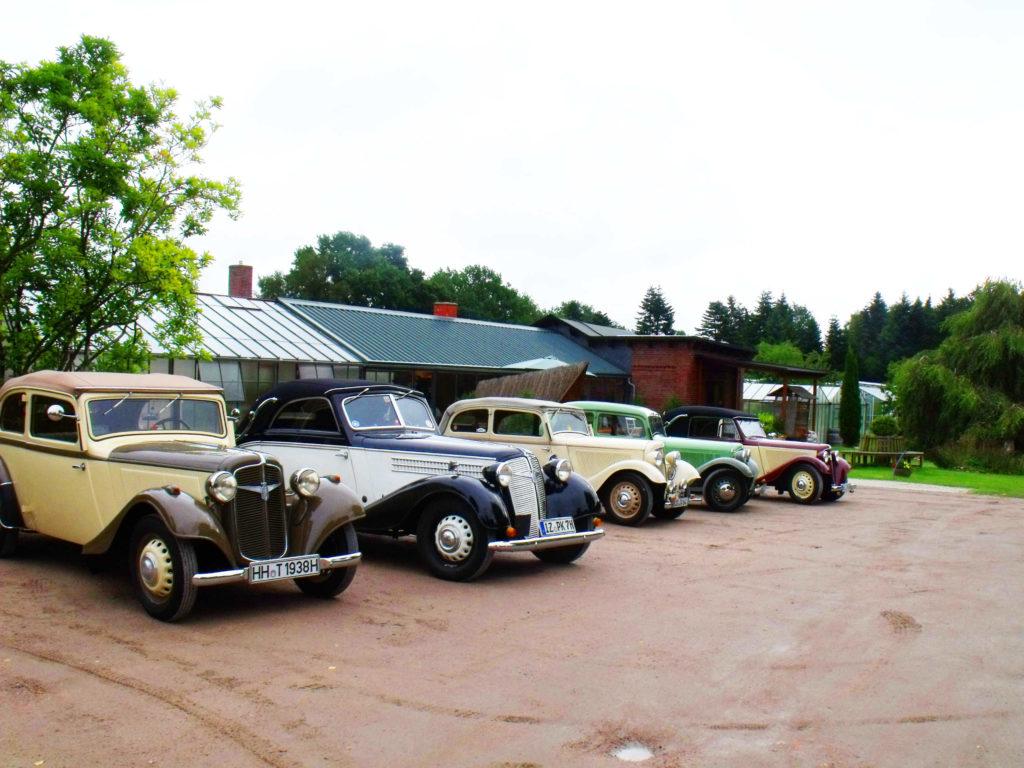 Der Adler Automobilclub besucht den Kleverhof.